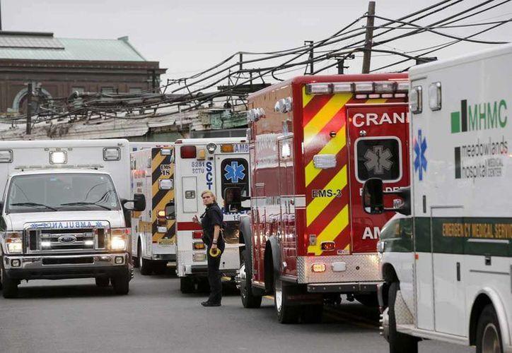 Las autoridades federales de EU localizaron una de las 'cajas negras' del tren que se estrelló en Nueva Jersey. (EFE)