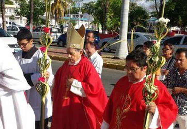 La misa fue en el Sagrado Corazón de Jesús, catedral de Chetumal. (Harold Alcocer/SIPSE)