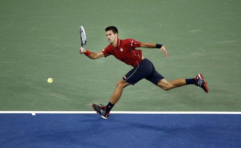 Novak Djokovic quiere hilar una quinta final consecutiva en el US Open, pero para ello todavía falta mucho. (Foto: AP)