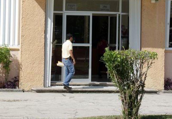 El edificio que ocupaba la dirección de desarrollo urbano fue abandonado y el personal se reubicó al inmueble de la dirección de planeación. (Juan Palma/SIPSE)