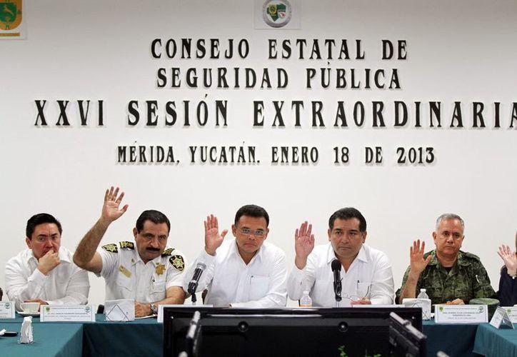 El Gobernador encabezó ayer la sesión del Consejo Estatal de Seguridad Pública, que agrupa a cuerpos de seguridad y asociaciones civiles. (SIPSE)