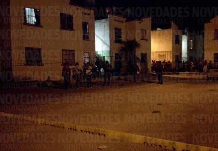 Una persona falleció dentro de su casa esta noche tras recibir impactos de bala. (Redacción/SIPSE)
