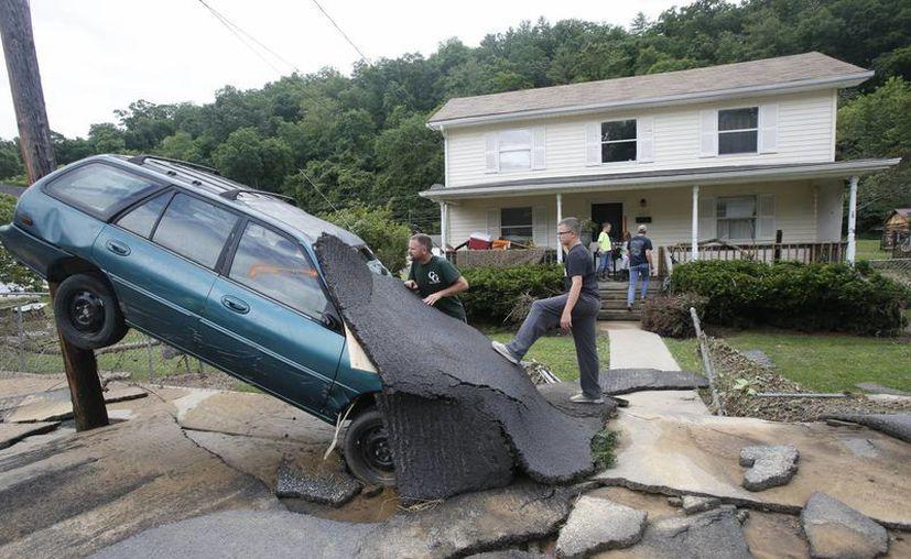 Las inundaciones provocaron severos daños en Virginia. (Agencias)