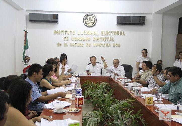 El Consejo General del INE ratificó en sus cargos a los consejeros y consejeras electorales propietarias y suplentes. (Ángel Castilla/SIPSE)