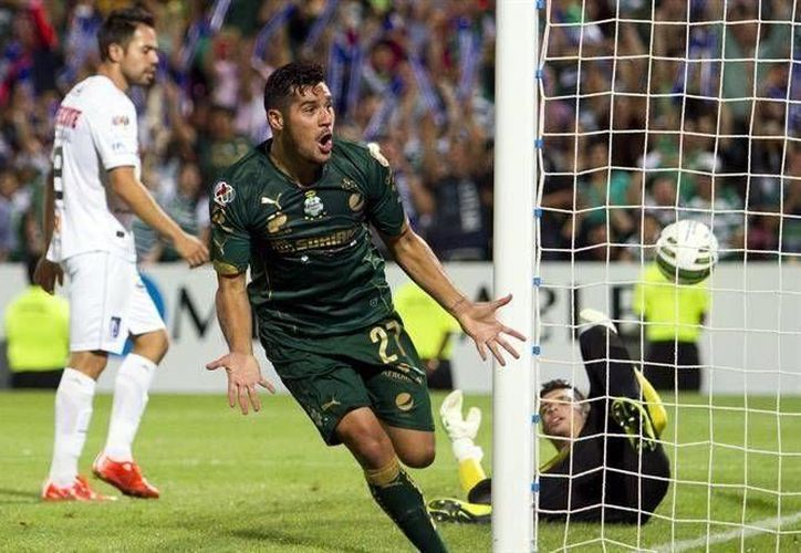 Cuatro goles de Javier 'Chuletita' Orozco, Santos sentenció la serie final del fútbol mexicano. (AP)