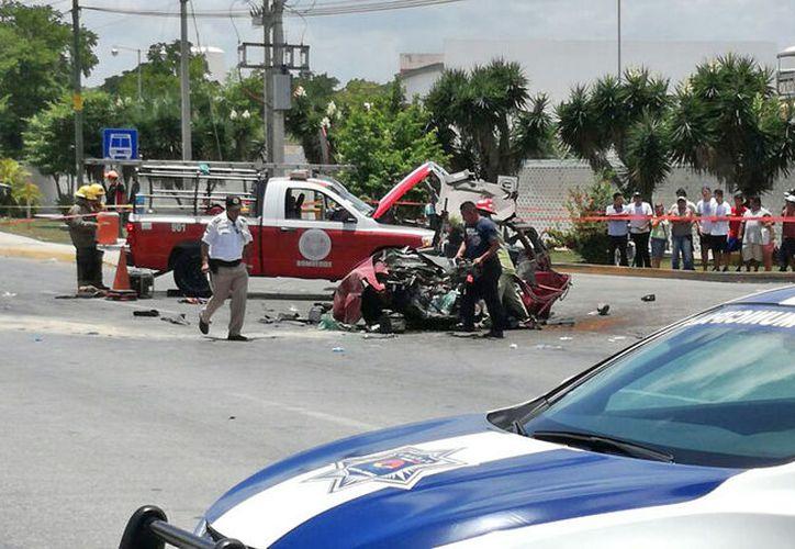 El conductor de la pipa, después del impacto, se fue del lugar de los hechos. (Foto: Pedro Olive)