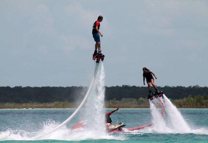 El playense Rodrigo Delgado Peniche representará a México en el campeonato mundial de Flyboard, en Dubai. (Contexto)