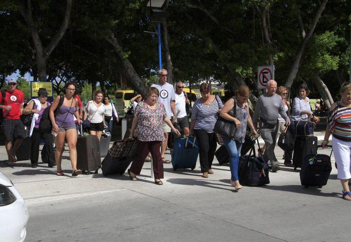 Continúa el arribo masivo de turistas a este destino turístico. (Tomás Álvarez/SIPSE)
