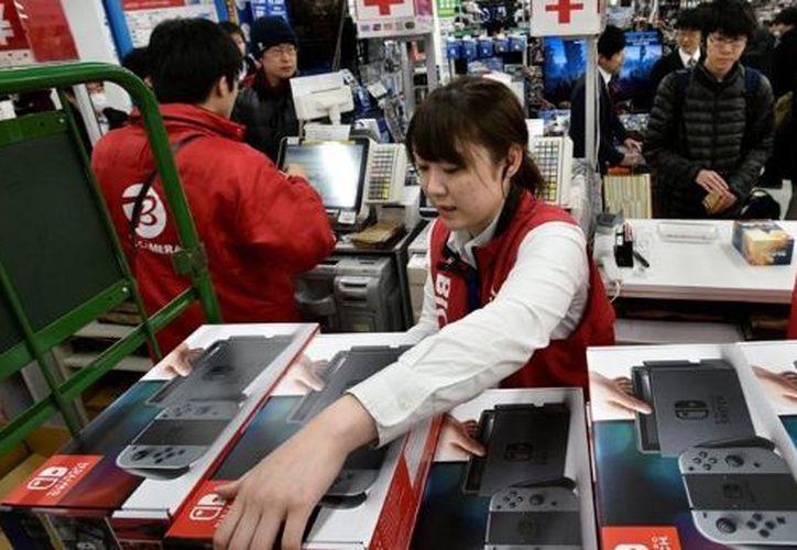 Las ventas de la nueva consola de Nintendo tienen éxito en ventas a nivel mundial. (eitb.eus)