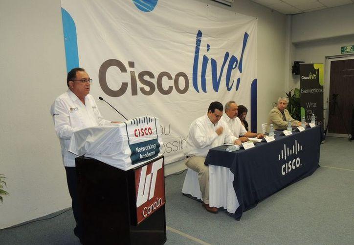 Eduardo Patrón Azueta en la inauguración del evento. (Cortesía/SIPSE)