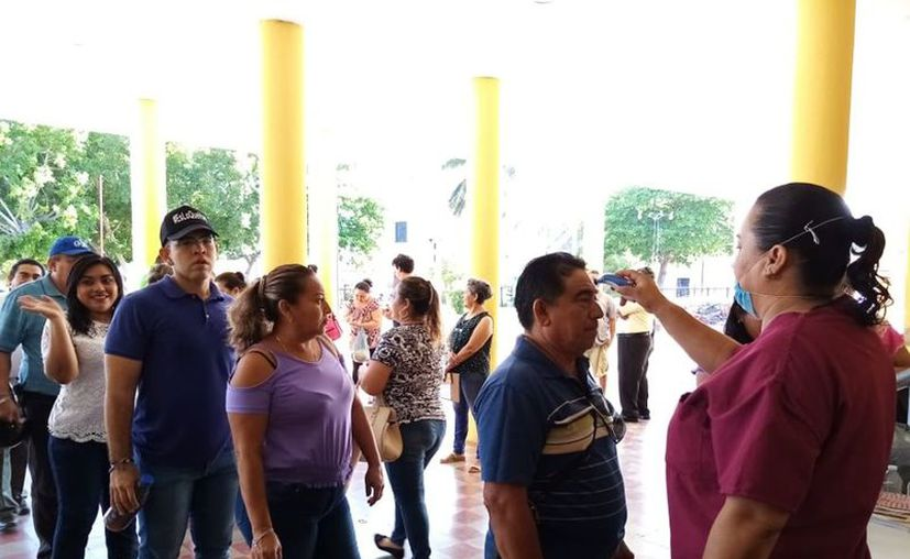 """El alcalde exhortó a los pobladores a """"no bajar la guardia"""" y a mantener las medidas de distanciamiento social. (Foto: Ayuntamiento de Kanasín)"""