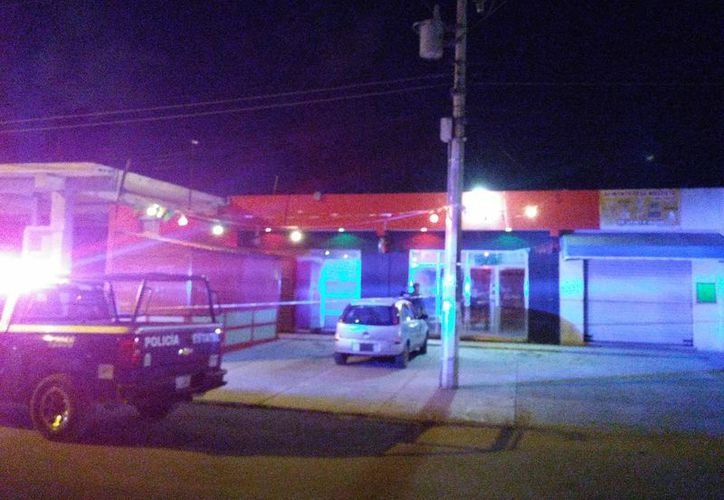 El bar se ubica sobre la carretera a Rancho Viejo. (Redacción/SIPSE)