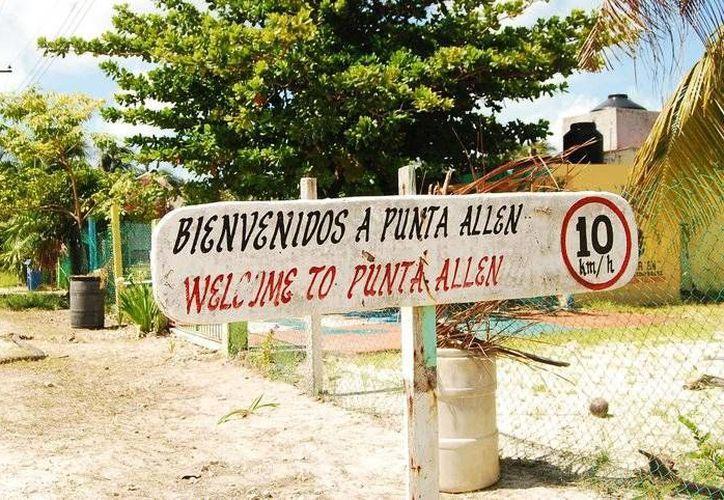 Los tours se vieron severamente afectados, e incluso los pescadores señalan que su actividad cotidiana se paralizó. (Rossy López/SIPSE)