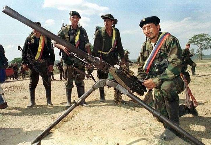 'Los paramilitares asesinan más, mientras que los grupos guerrilleros secuestran más y causan más destrucción'. (Agencias)