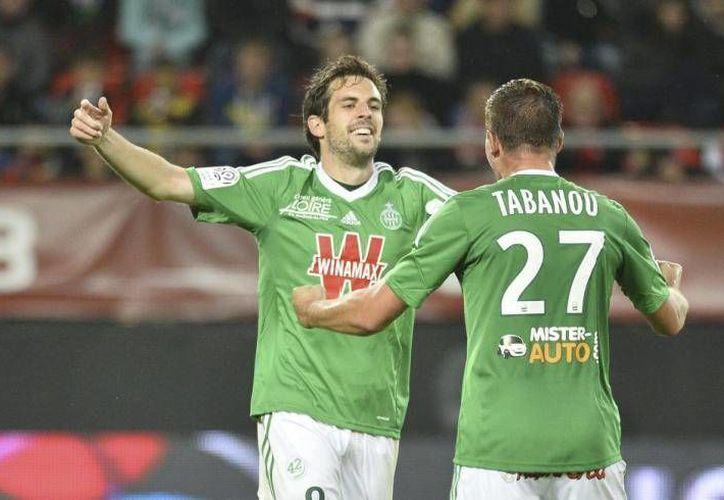 El extremo Benjamin Corgnet dio el empate al Saint Etienne, que ganó en penales en cuartos de final de la Copa de Francia. (lequipe.fr)