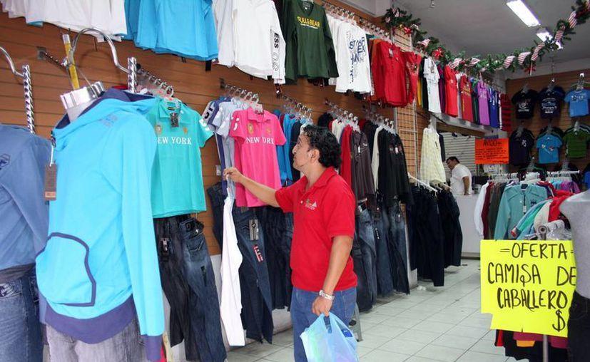 La mala venta en las tiendas de ropa no es comparable con la buen producción en la maquiladora. (Theani Ruz/SIPSE)