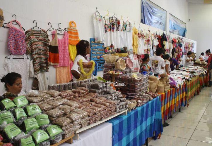 Los productos artesanales han tenido un gran escaparate en las ferias turísticas nacionales e internacionales que se realizaron en 2014. (Harold Alcocer/SIPSE)