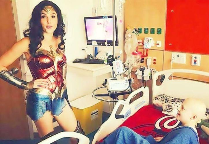 Gal Gadot visitó a menores internados en el 'Inova Children's Hospital'. (Vanguardia MX)