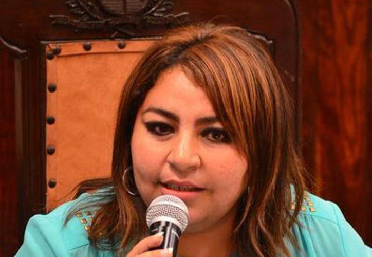 La regidora priista Alejandra Cerón Grajales ha insistido en el cambio de las reglas de operación para priorizar las obras sociales en Mérida. (SIPSE)