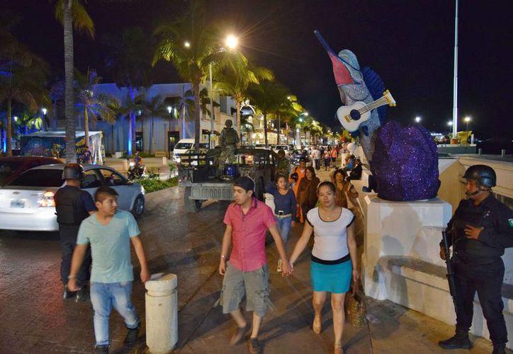 Elementos de la Policía Municipal de Cozumel fueron atacados la tarde de ayer por un grupo de adolescentes. (Gustavo Villegas/SIPSE)