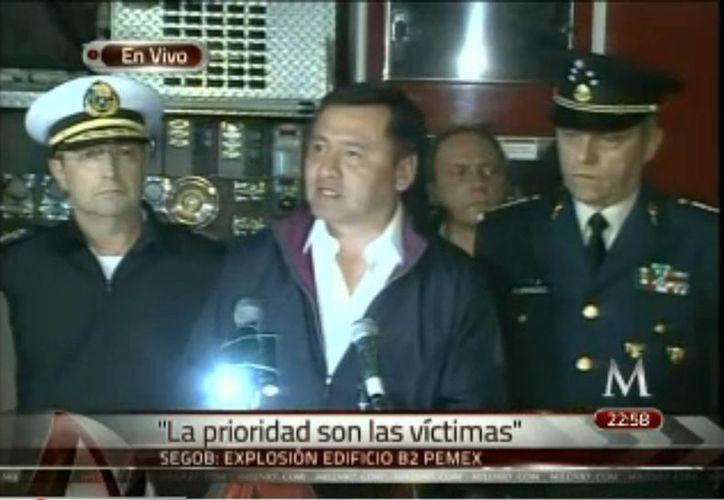 Miguel Osorio Chong, en conferencia de prensa hace unos momentos. (Captura de pantalla Milenio Televisión)