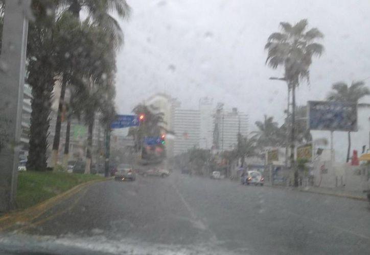 En Acapulco (foto) se preven temperaturas superiores a 35 grados. (Notimex)