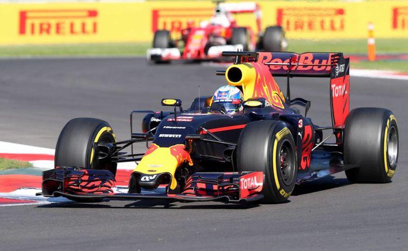 Finalmente fue el australiano Daniel Ricciardo quien se quedó con el tercer lugar del Gran Premio de México. (Notimex)