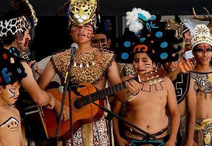 El ballet folclórico Los Niños Mayas de Cancún iniciarán su gira internacional en julio. (Cotesía)