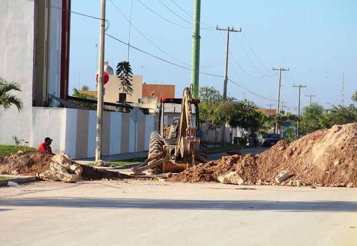 Se han invertido alrededor de tres millones de pesos para cumplir con la labor de urbanización de la zona. (Octavio Martínez/SIPSE).