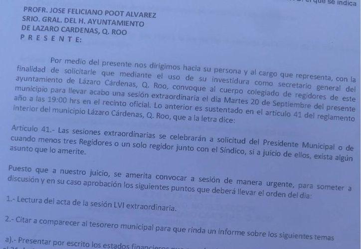 El documento va dirigido al secretario general del Ayuntamiento. (Raúl Balam/SIPSE)