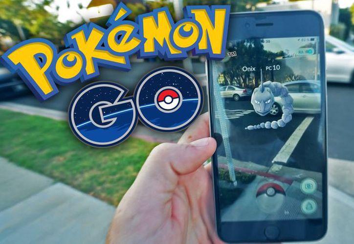 Ruslan Sokolovsky, un popular bloguero de 22 años, divulgó en agosto un video jugando Pokémon en su celular dentro de una iglesia . (YouTube).