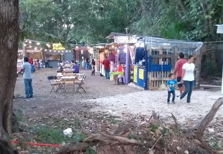 Por falta de energía eléctrica, algunos de los negocios utilizan hieleras para guardar los alimentos. (Daniel Tejada/SIPSE)