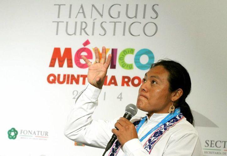 El lingüista maya, Hilario Chi Canul, criticó que el turismo se ha beneficiado mucho de la imagen maya, sin embargo las ganancias no llegan a los verdaderos mayas.  (Adrián Monroy/SIPSE)