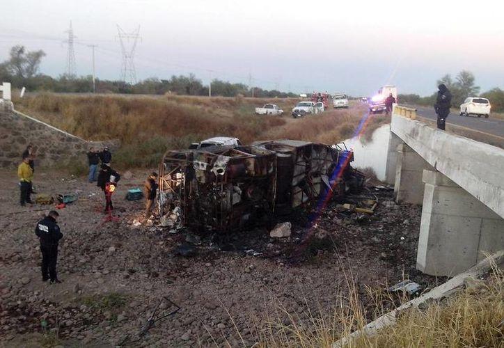 La Unidad Municipal de Protección Civil del municipio de Guaymas informó del accidente por medio de Twitter. (twitter.com/UmpcGuaymas)