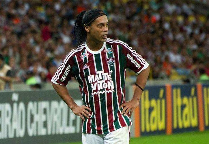 """Ronaldinho Gaúcho deseo """"que todos se diviertan y aprovechen mucho esos diez días de la Copa de Florida"""", en los cuales participará con el Fluminense. (Archivo Prensa Libre)"""