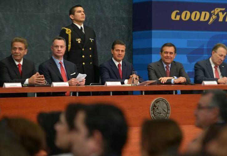 Imagen del evento donde se anunció la inversión de la nueva planta de Goodyear en México, la presidió el presidente de México, Enrique Peña Nieto. (presidencia.gob.mx)
