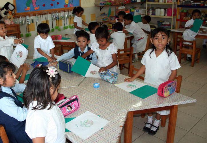 Los pequeños serán asesorados para responder al examen. (Foto: Milenio Novedades)