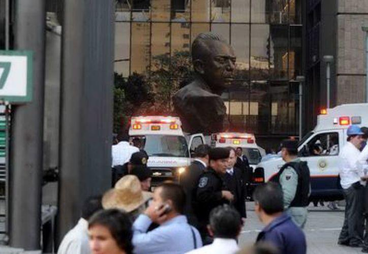 La explosión en una de las torres administrativas de Pemex, en el DF, se produjo alrededor de las 16 horas de ayer. (Notimex/Foto de archivo)