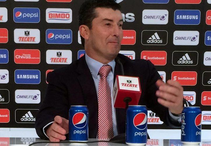El técnico del Guadalajara, José Manuel de la Torre, dijo que su equipo estará tranquilo hasta superar las circunstancias actuales. (Archivo/Notimex)
