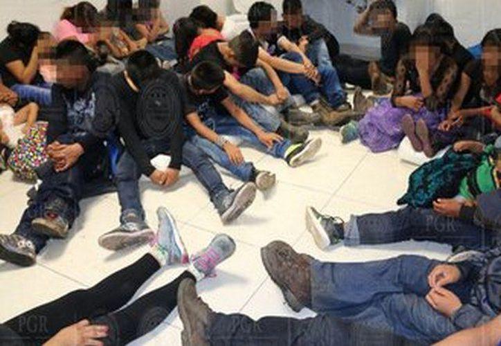 Los migrantes fueron puestos a disposición del Instituto Nacional de Migración para el trámite administrativo correspondiente. (PGR)