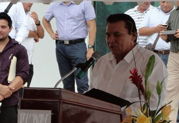 José Luis Blanco Pajón, dando su discurso. (Harold Alcocer/SIPSE)