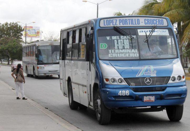 Continúan un peso de más en el pasaje de transporte urbano. (Jesús Tijerina/SIPSE)