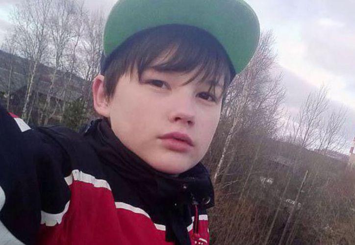 El mayo de 2017, Vanya Krapivin, de 16 años de edad, se enfrentó al sujeto que agredía a su madre. (Internet)