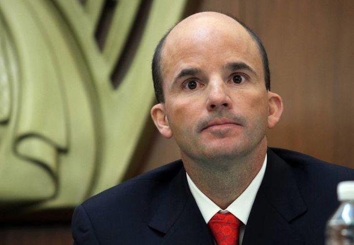 José Antonio González llamó a los residentes del IMSS a engrandecer la institución. (Notimex)