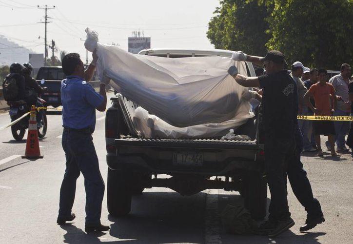 Tan solo en el primer año del actual gobierno de El Salvador, encabezado por Salvador Sánchez Cerén, se registraron cuatro mil 627 asesinatos. (Archivo/AP)