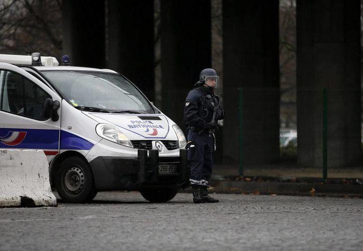 Una de las detenidas por el vehículo sospechoso de París prestó lealtad al Estado Islámico. (EFE)