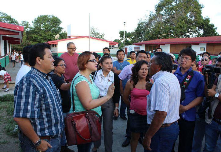 Los padres de familia eligieron a la planilla única encabezada por Héctor Santín. Su antecesor, Javier Villanueva, estuvo 10 años.