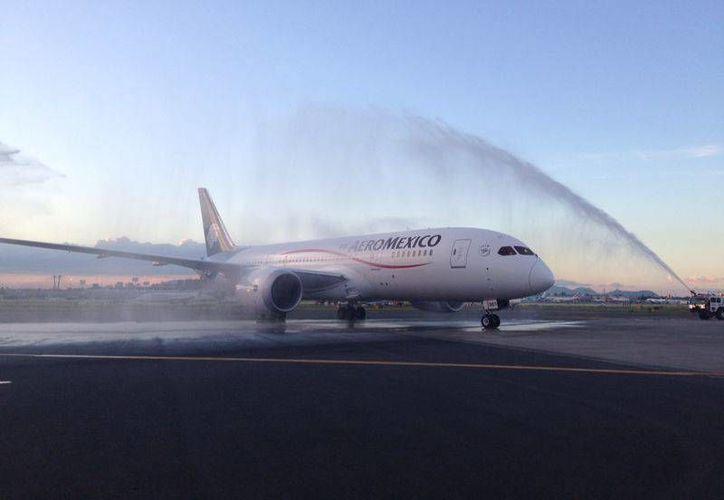 El avión cubrirá la ruta México-Monterrey. (Foto: Aeroméxico)