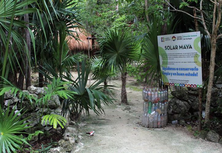 En el Parque Urbano Kabah, por ser zona protegida, cualquier tipo de obra debe cumplir con lineamientos que no alteren la ecología del lugar. (Luis Soto/SIPSE)