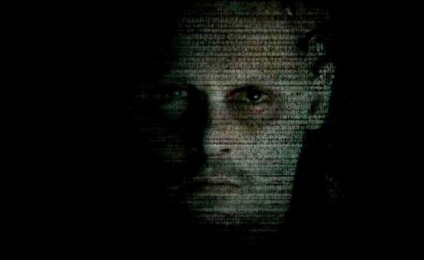 En 'Trascender', Johnny Depp desarrolla un personaje completamente diferente a sus filmes más recientes. (YouTube)